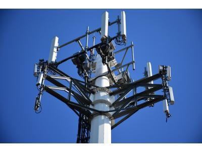 华为与印度运营商联手打造5G黑科技,使5G信号提升4倍容量、最远可传13公里