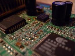 ASML、中芯国际双双辟谣,EUV光刻设备并没有断供