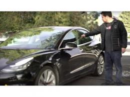 自创戒指钥匙打开特斯拉Model 3,什么情况?