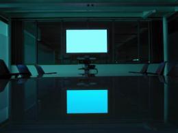 各大电视厂商都在抓紧布局OLED电视,海信在这个时候却要退出?