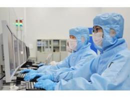 彩虹集团突破G8.5+液晶基板玻璃技术瓶颈,为国内显示向高世代基板玻璃发展迈出关键一步