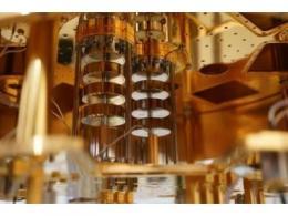 量子计算商用里程碑:英特尔推出马岭低温控制芯片