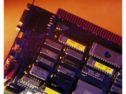 集成电路晶体管需求翻番,摩尔定律仍是主要标准
