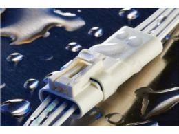 TE Connectivity推出新型防水密封型2.5mm双重锁定信号连接器