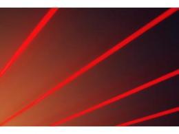 中科院開發飛秒激光等離子激元光刻技術,可在百納米厚的石墨烯薄膜實現快速制備
