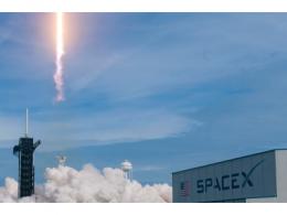人类首个商业载人航天飞船发射成功,SpaceX终于梦香成真?