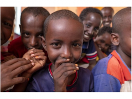 传音控股携手联合国难民署支持非洲儿童教育事业