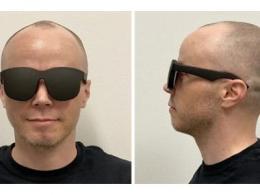 Facebook展示超薄VR概念眼镜,佩戴舒适与普通墨镜并无区别?