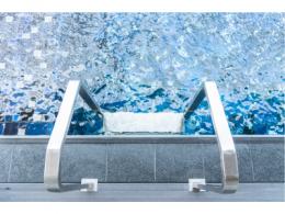 研究人员开发简单、低成本微流控传感器,可快速连续检测泳池数值