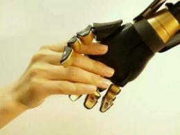 我国成功实现柔性多功能触觉传感器,仿照人类皮肤为支撑穿戴设备