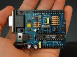 如何使用Arduino板满足各类可穿戴式设计需求?
