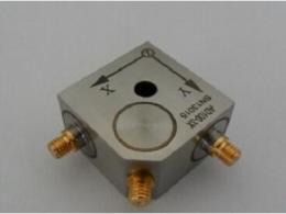 使用传感加速度计,对工业机器有何作用?