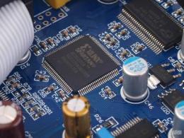 详解 | FPGA中复位电路产生亚稳态的原因