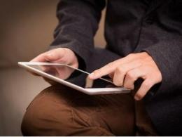 韩媒:苹果要求三星和LG为2022年iPad生产混合OLED 面板