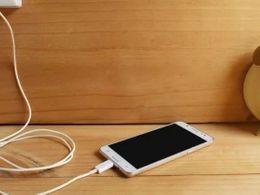 越来越多手机不带充电器了?请收好这份充电器选购秘笈
