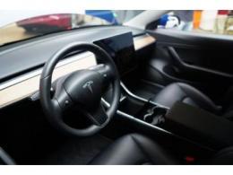 特斯拉新款中国制造Model 3在北京正式开始交付