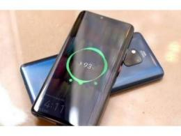 彭博社:iPhone 12 硬件支持反向无线充电,但苹果暂时不打算开放这功能