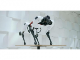 腾讯发布首个全自研机器狗Max,有腿有轮还会后空翻