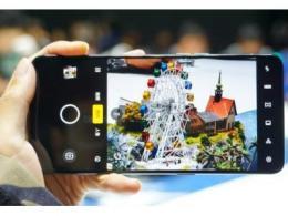 全球智能手机市场加速朝着高端化的方向发展,利好光学产业链