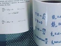 麦克斯韦方程组竟然这么简单?!