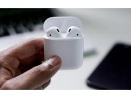 2021年全球TWS耳机的出货量将达到2.59亿部,年增40.5%