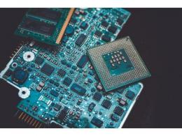 全球持续面临芯片荒,2022年芯片价格将再涨至少10-20%