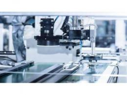ASML 将于今年推出透光率超 90% 的 EUV 防护膜,提高光刻机效率