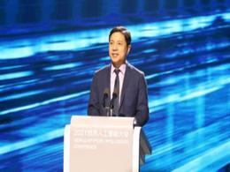 李彦宏:预计2-3年内百度将面世更像机器人的汽车