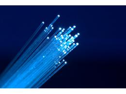锐科激光子公司突破1.5μm光纤放大器技术,将大批量供货