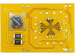 【突破】香港大学研发新型可穿戴心电图传感器和有机记忆电化学晶体管