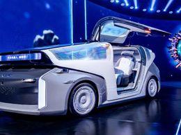 颠覆性全球首款汽车机器人来了,这届百度世界大会有点儿东西