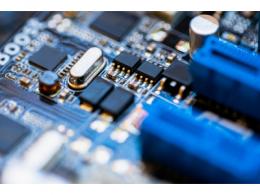 微结构不均匀性(负载效应)及其对器件性能的影响:对先进DRAM工艺中有源区形状扭曲的研究