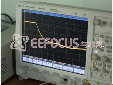图 28  模拟的衰减曲线(5ms/div)