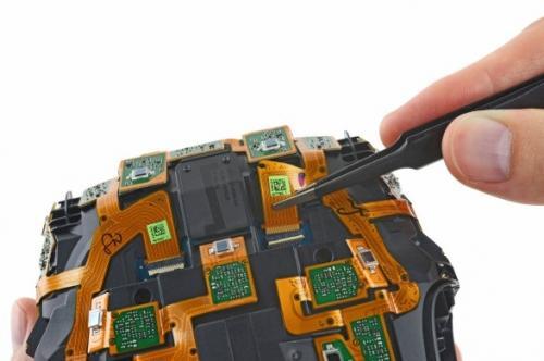 HTC Vive传感器-暴力拆解 号称首款完整虚拟现实设备,HTC Vive有多图片