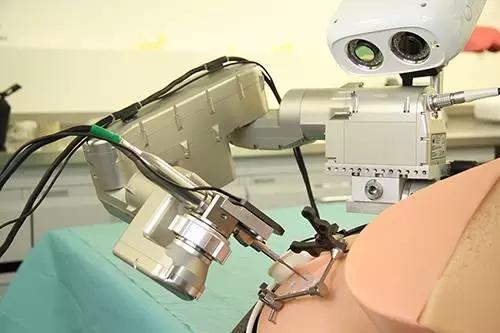 盘点六款具备革新的手术外科机器人