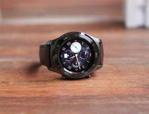 10 pro和mate 10保时捷设计三款产品,一同发布的还有一款智能手表华为