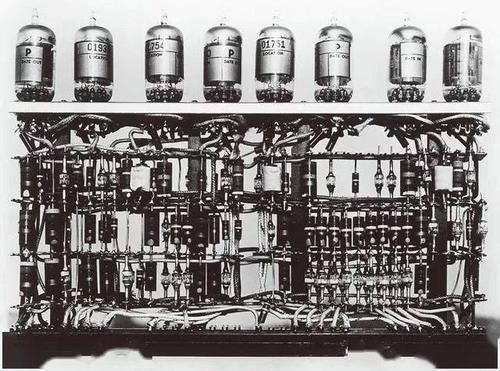 电子管计算机发明于哪一年