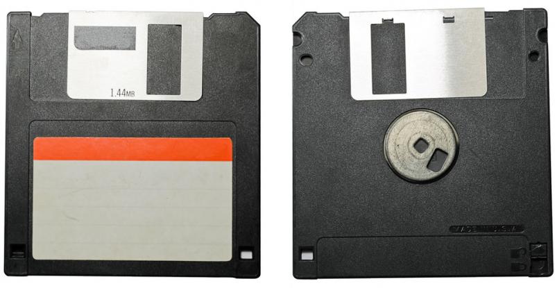 软盘驱动器和软盘分别是什么 硬盘和软盘的区别