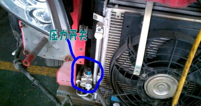 用导线短接高压开关的信号线接口