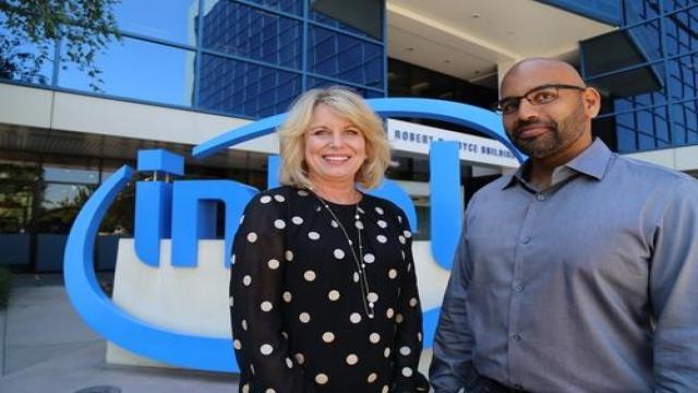 Intel执行副总裁暨数据中心事业群总经理Diane Bryant与Nervana共同创办人Naveen Rao