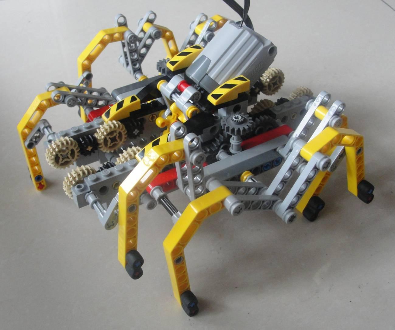 蜘蛛先生造房子绘画