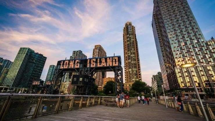 图为:纽约长岛市