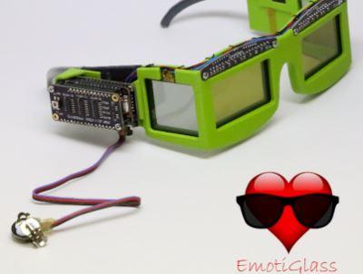 工程师花了几个月设计了一款智能眼镜,功能惊艳了